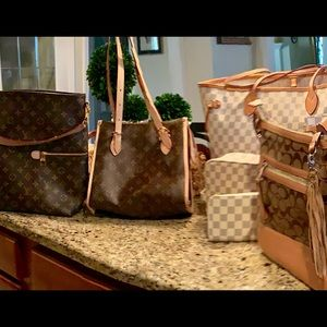 Lot of Fashion handbags & accessories- 9 items